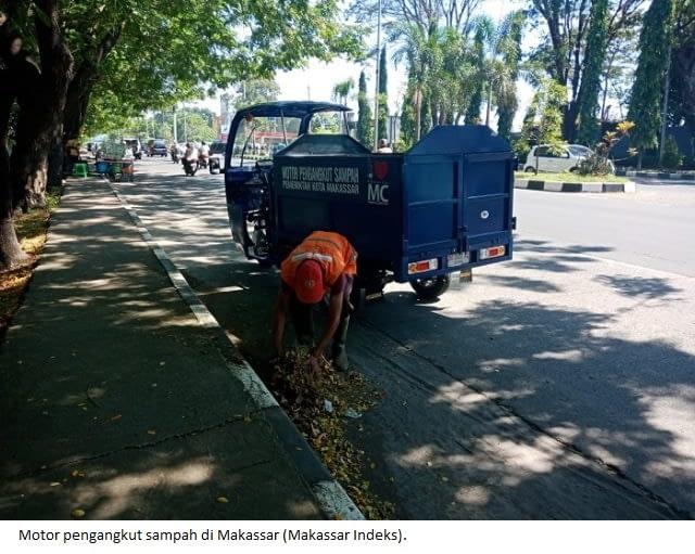 Motor pengangkut sampah di Makassar (Makassar Indeks).