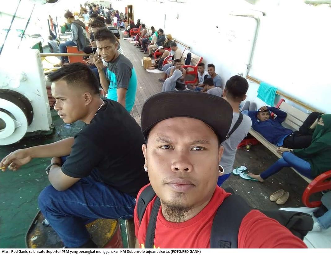 Alam Red Gank, salah satu Suporter PSM yang berangkat menggunakan KM Dobonsolo tujuan Jakarta. (FOTO:RED GANK)